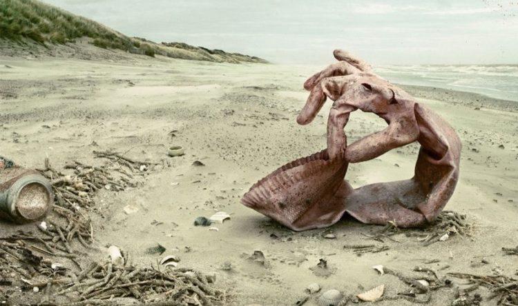 smece na plazi
