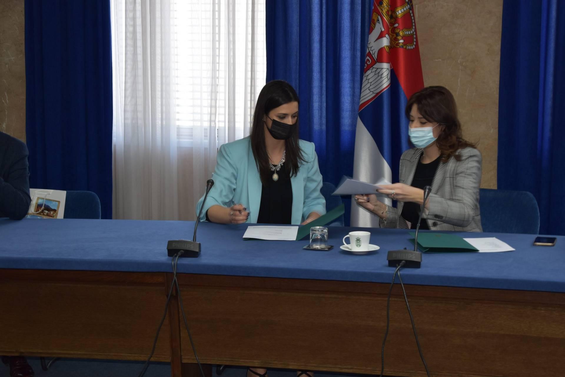 Potpisan ugovor između Ministarstva zaštite životne sredine i opštine Odžaci za finansiranje zamene kotlova u javnim ustanovama